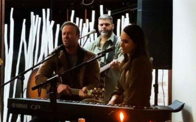 AB De Villiers singing for his dad