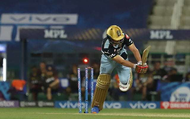 Ab de Villiers bowled by Andre Russell