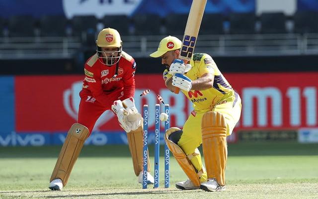 MS Dhoni bowled by Ravi Bishnoi